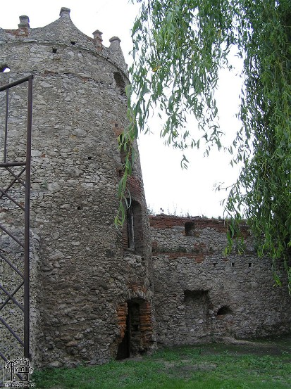 Image - Letychiv castle tower and walls.