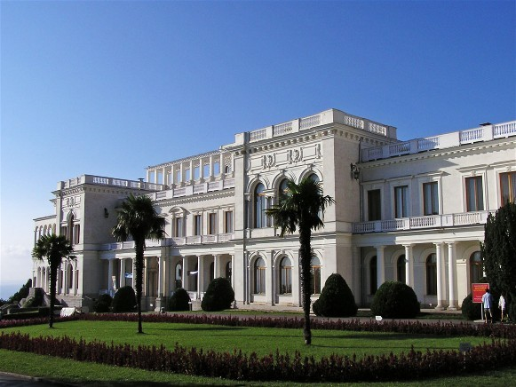 Image -- The Grand Palace in Livadiia in the Crimea.