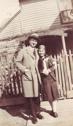 Image - Michael Luchkovich with his wife (ca 1930)