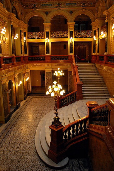 Image - Lviv National Academic Theater of Opera and Ballet (foyer).