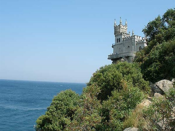 Image - The Swallow's Nest castle (1912) in Miskhor near Yalta.