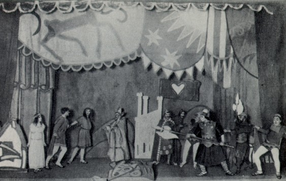 Image -- A scene from Les Kurbas' production of F. Grillparzer's Weh dem, der lugt! (in the commedia dell'arte style) in Molodyi Teatr (1918).