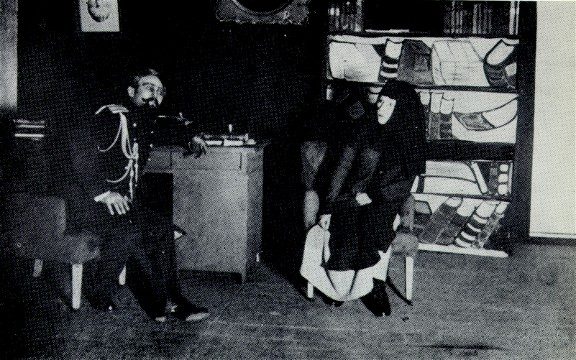 Image - S. Semdor and P. Samiilenko in the Molodyi Teatr production of Volodymyr Vynnychenko's Sin (1919).
