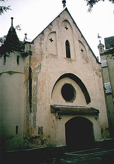 Image - A 14th-century Gothic chapel in Mukachevo.