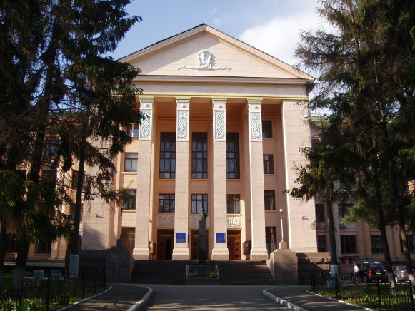Image -- The National Medical University in Kyiv (main building).