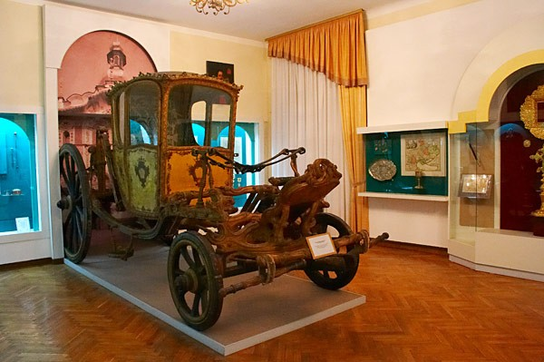 Image -- The interior of the National Museum of the History of Ukraine in Kyiv.