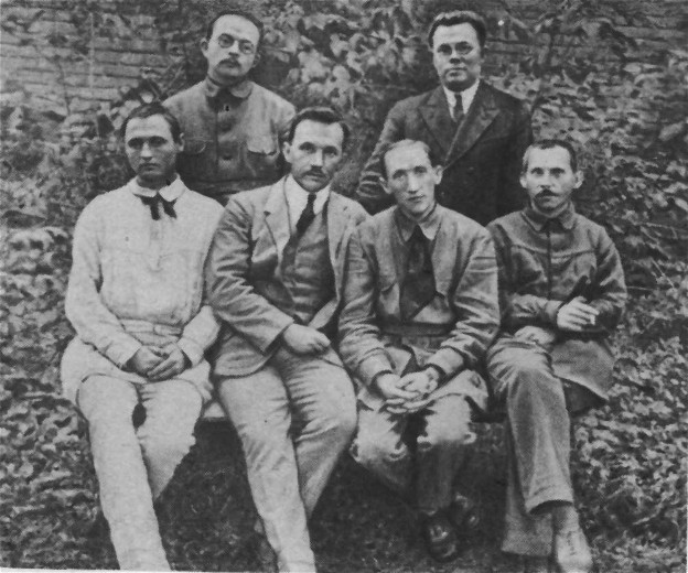 Image - The Neoclassicists: (1920s photo): standing (l-r), V. Petrov and M. Zerov; sitting, O. Burghardt (Yu. Klen), P. Fylypovych, B. Yakubsky, M. Rylsky.