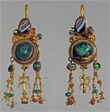 Image - Earings from the Sarmatian Nohaichynskyi kurhan in the Crimea.