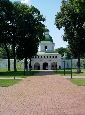 Image - The gate bell tower (1820) of the Transfiguration Monastery in Novhorod-Siverskyi.