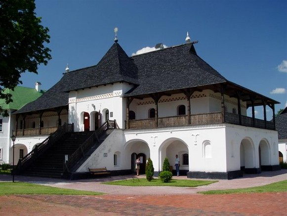 Image - Buildings of the Transfiguration Monastery in Novhorod-Siverskyi.