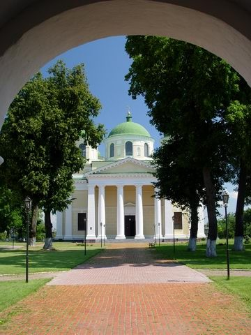 Image -- The Transfiguration Cathedral (1791-6) in the Transfiguration Monastery in Novhorod-Siverskyi.