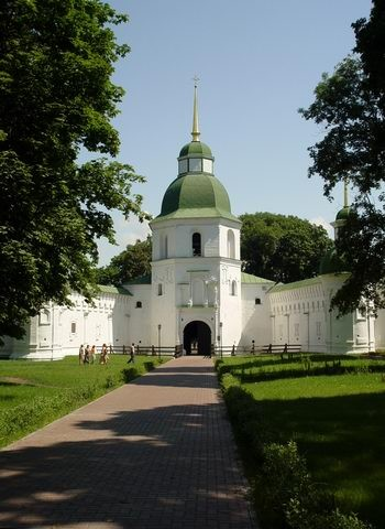 Image -- The gate bell tower (1820) of the Transfiguration Monastery in Novhorod-Siverskyi.