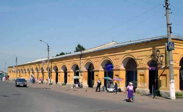 Image -- The Novhorod-Siverskyi trading mall (early 19th century).