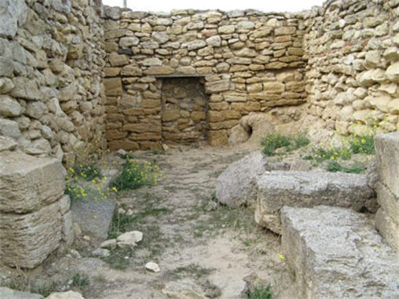 Image -- The ruins of the ancient city of Nymphaeum in the Crimea.