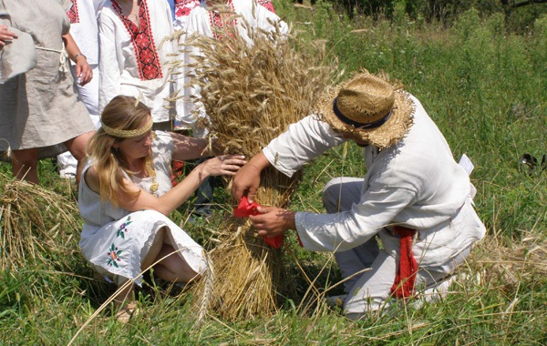 Image - Harvest rituals of obzhynky.