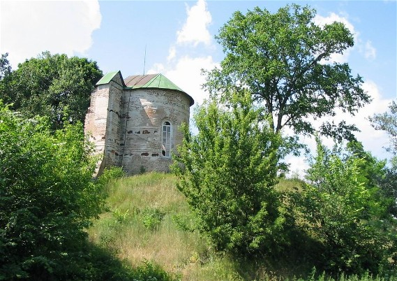 Image -- Saint Michael's Church (aka Yurii's Temple) in Oster (built in 1098).