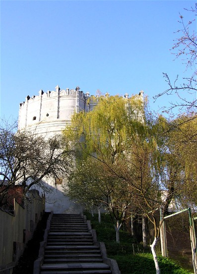 Image -- The Ostrih castle: view of the Lutsk tower.