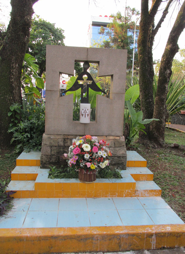 Image - Memorial to the victims of the Holodomor in Encarnacion, Paraguay.