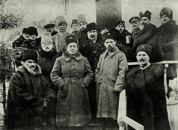 Image - Symon Petliura, Mykhailo Omelianovych-Pavlenko, and other Ukrainian leaders (late 1920).