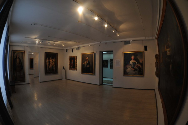 Image - Poltava Art Museum (exhibit hall).