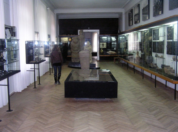 Image - Archeological exhibit at the Poltava Regional Studies Museum.