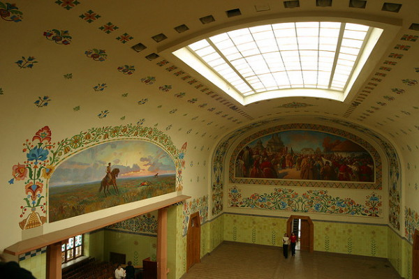 Image - Interior of the Poltava Regional Studies Museum.