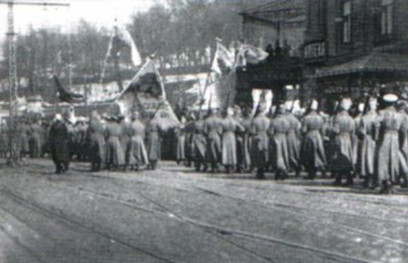 Image - Polubotok Regiment soldiers in central Kyiv (1917).