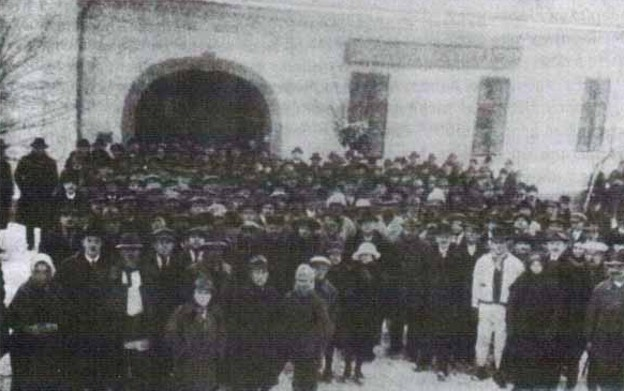 Image - Participants of the founding meeting of the Prosvita society in Uzhhorod (9 May 1920).