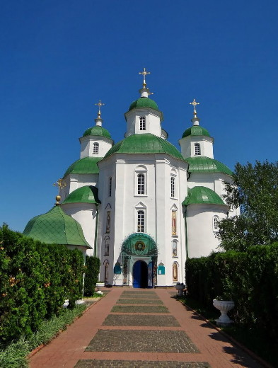 Image -- Pryluky: Transfiguration Cathedral (main entrance).