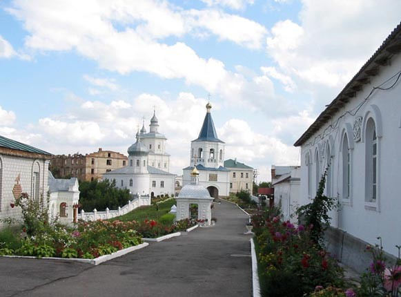 Image - Putyvl: A view of the Movchanskyi (Molchany) Monastery.
