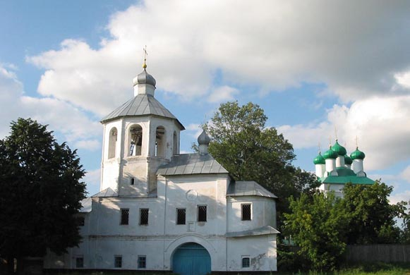 Image -- Putyvl: The Annunciation Church (1693-7) of the Transfiguration Monastery.