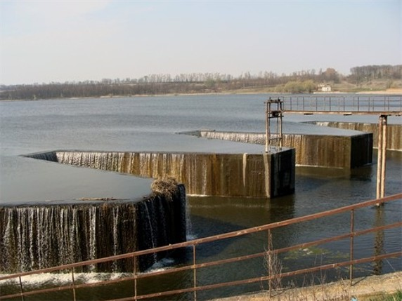 Image - A dam on the the Rostavytsia River.