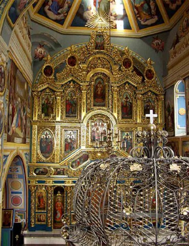 Image -- Saint Michael's Church in Kyiv: iconostasis and reliquiary of Saint Barbara.