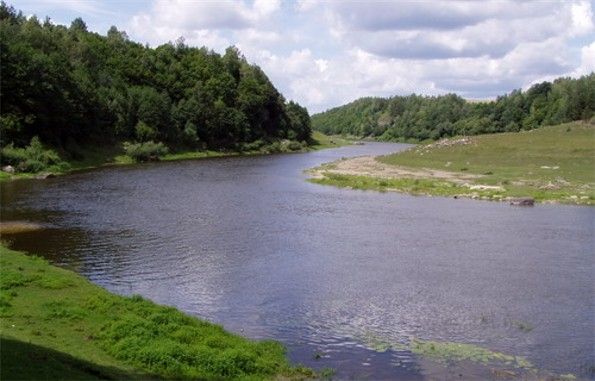 Image - The Sluch River near Marynyne, Rivne oblast.