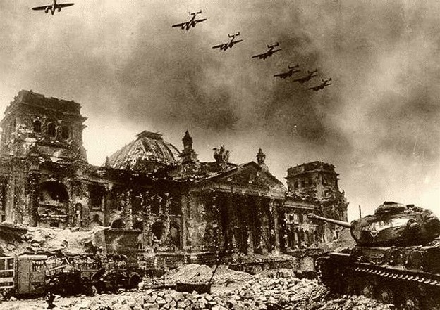 Image -- Second World War: the Soviet offensive on Berlin in 1944.