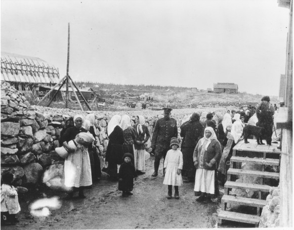 Image - Spirit Lake (Quebec, Canada) internment camp (1914).
