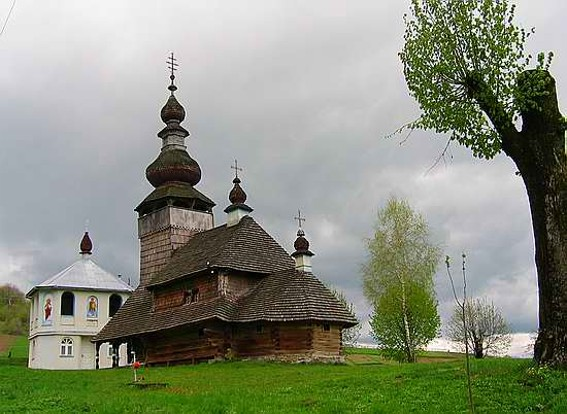 Image - Svaliava: Saint Michaels Church (1588).