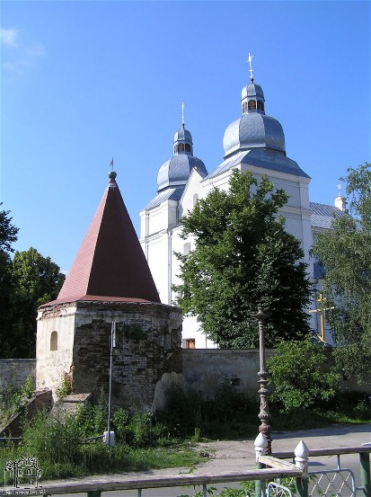 Image -- Terebovlia: Carmelite church and monastery complex (1635).