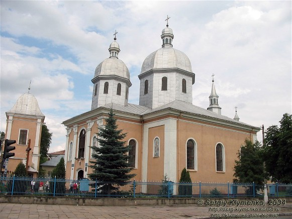 Image -- Terebovlia: 16th-century Saint Nicholas's Church.