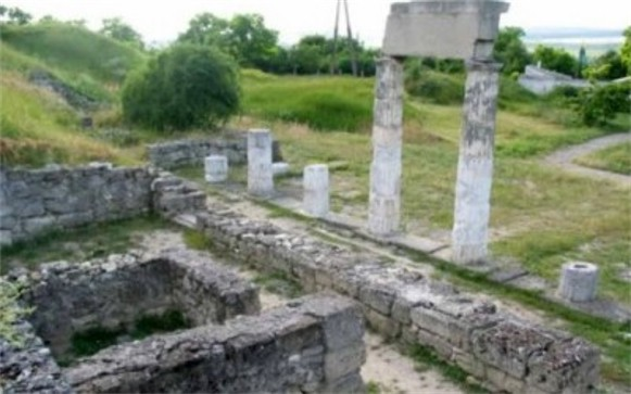 Image - The excavated ruins of the Bosporan city of Tiritaka in the Crimea.