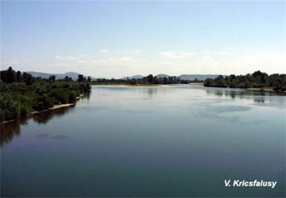 Image - A panorama of the Tysa River.