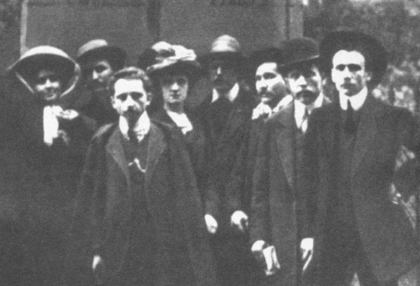 Image - Members of the Ukrainian Hromada in Paris (including Mykhailo Boichuk, far right) (1907).