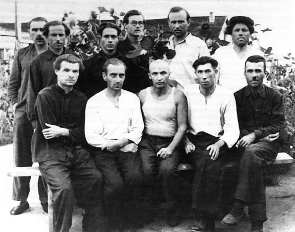 Image - Mykola Soroka (center) among Ukrainian political prisoners in a Kolyma forced-labor camp (Russian FSSR).