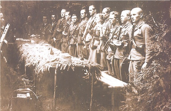 Image - UPA insurgents from the Lemko region (Easter 1946) (photo from Litopys Ukrains'koi Povstans'koi Armii).
