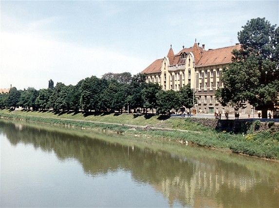 Image -- The Uzh River in Uzhhorod.