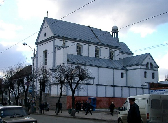 Image -- Vinnytsia: Saint Mary of the Angels Church of the Capucin order (1745).