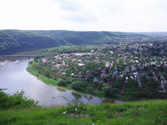 Image -- A panorama of Zalishchyky.