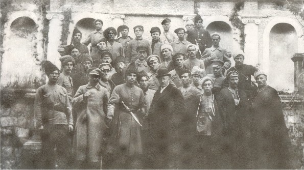 Image - The Zaporizka Sich soldiers led by Otaman Yurii Bozhko (center) with Osyp Makovei (April 1919).