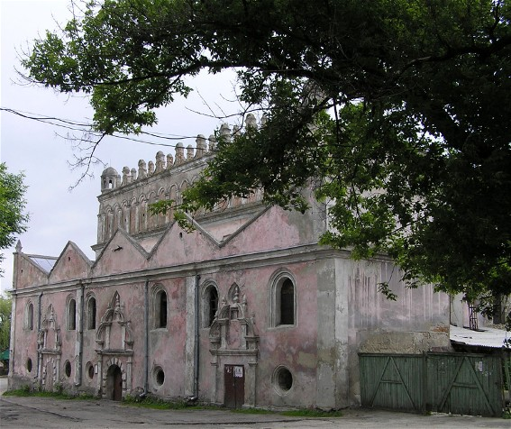 Image - A synagogue in Zhovkva, Lviv oblast.