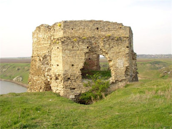 Image - The ruins of the Zhvanets castle.
